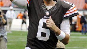 Hoyer guía a los Browns en victoria ante Bengals