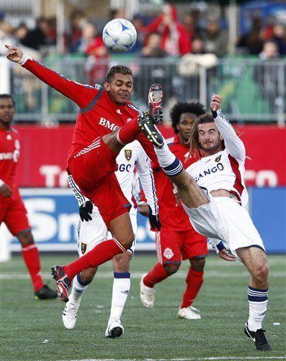 Toronto vence a Real y sigue en la lucha por ir a playoffs