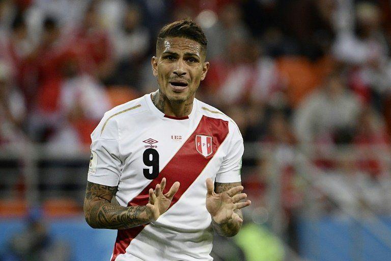Perú se estrella contra el muro danés y pierde en su regreso a un Mundial
