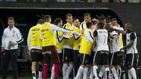 Corinthians gana pero no se corona aún en Brasil