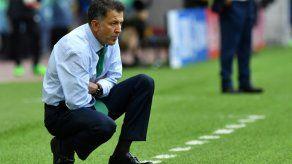 La FIFA suspende seis partidos al seleccionador de México Juan Carlos Osorio