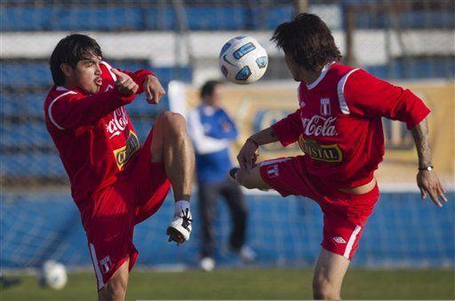 América: Puedo perder con todos menos con Chile, dice Vargas