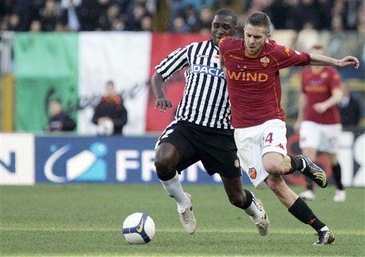 Roma empata con el Udinese