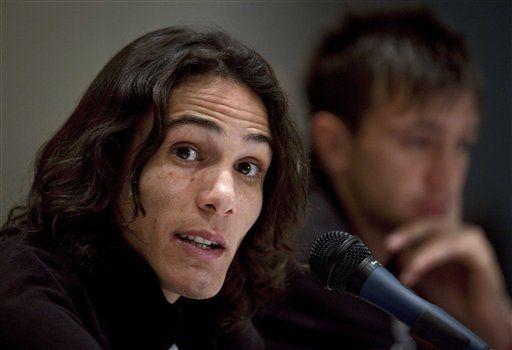 América: Cavani no se queja por jugar lejos del arco