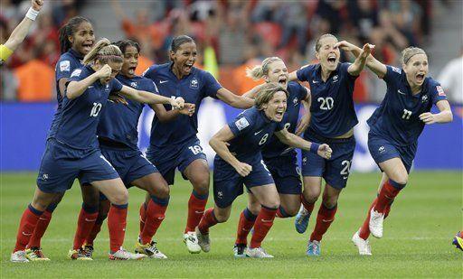 Francia avanza a semifinales en el mundial femenino de fútbol