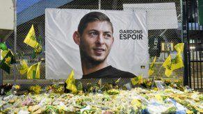 Nantes rinde homenaje a Sala en primer partido tras su desaparición