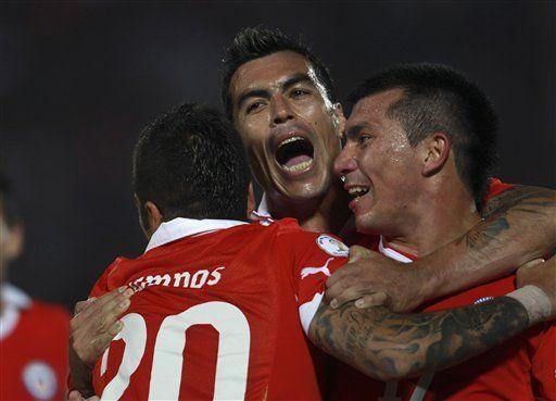 Mundial: Chile derrota 2-0 a Paraguay y recupera la confianza