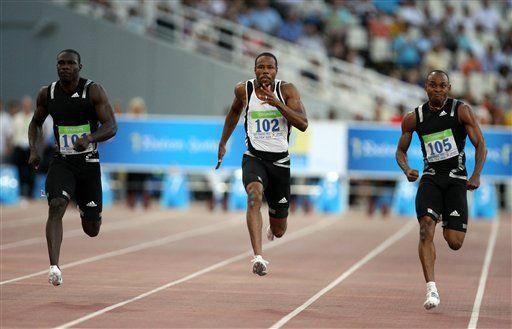 Atkins gana los 100 metros en GP de Atenas