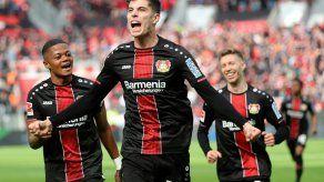 Bayer Leverkusen golea en Augsburgo y se asienta en puestos europeos