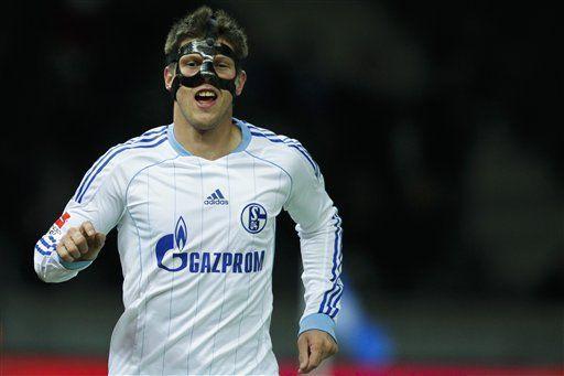 Schalke vence a Hertha Berlin y es segundo en Bundesliga